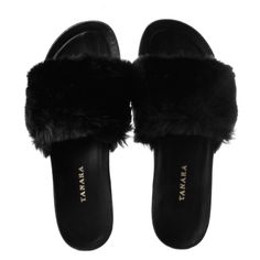 Fashion Slippers, Fashion Sandals, Sneakers Fashion, Melissa Shoes, Sneaker Boots, Cute Shoes, Me Too Shoes, Fluffy Shoes, Cute Quotes For Girls