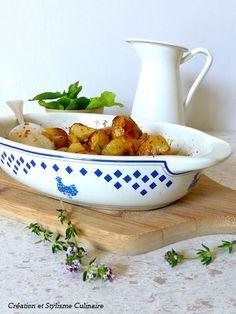 """A mi-chemin entre les pommes de terre sautées et les frites, les pommes de terre rôties au four , plus """"light"""" et digestes, épateront votre famille et vos amis! Un accompagnement sans gluten savoureux et original..."""