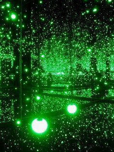 Infinite mirrored room - installation by Yayoi Kusama