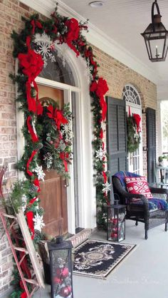 Christmas Front Porch Decorating Ideas to Make your home look like Christmas Movies - Ethinify