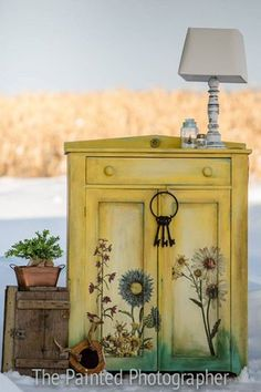 Painted in DIY Queen Bee, Previous Salty Kiss, Beadboard and Liquid Sunshine so as to add somewhat sunshine to your property decor with the. Hutch Furniture, Painted Furniture, Diy Furniture, Refinished Furniture, Furniture Refinishing, Furniture Storage, Spring Painting, Diy Painting, Tinkerbell