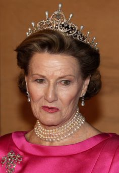 Queen Sonja Photos Photos - Queen Sonja of Norway arrives for a Gala Performance at the DR Concert Hall to celebrate Queen Margrethe II of Denmark's 40 years on the throne at City Hall on January 14, 2012 in Copenhagen, Denmark. - Queen Margrethe II of Denmark Celebrates 40 Years on The Throne - Gala Performance