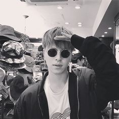 'Korean hot guy' as Jinwhan said Yg Entertainment, Koo Jun Hoe, Ikon Wallpaper, Korean Bands, Hanbin, Kihyun, New Kids, Kurt Cobain, Boyfriend Material
