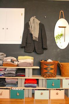 clever way to store clothes