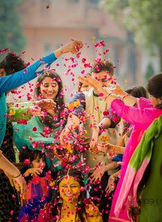 """Photo from Himanshu Jangid Photography """"Portfolio"""" album Mehendi Photography, Indian Wedding Couple Photography, Indian Wedding Photos, Bride Photography, Wedding Pictures, Photography Portfolio, Family Photography, Bridal Poses, Pre Wedding Photoshoot"""