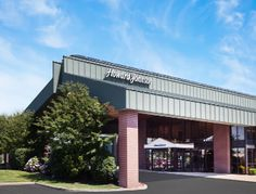 Minutes From Evansville Regional Airport and University of Southern Indiana with Free Continental Breakfast #HowardJohnson #Evansville #Indiana #hotel #hojo