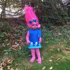 Since being released post-Halloween of Trolls has been on repeat on many a screen across the US, making it completely unsurprising that so many little Toddler Girl Halloween, Halloween Costumes For Girls, Diy Costumes, Halloween Kids, Halloween London, Horse Costumes, Halloween 2020, Halloween Party, Poppy Halloween Costume