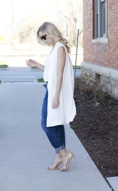 The perfect pieces for spring: http://www.stylemepretty.com/living/2015/04/16/3-spring-outerwear-trends-to-try/ | Photography: Fashion Column Twins - http://fashioncolumntwins.com/