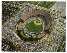Memorial Stadium, original home of Baltimore Colts, Baltimore Orioles and Baltimore Ravens. This is where I saw my first major league game! Baseball Park, Sports Baseball, Baseball Field, Shea Stadium, Yankee Stadium, Baltimore Orioles Baseball, Baltimore Maryland, Baltimore Ravens, Sports Stadium