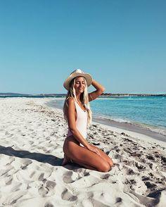 PARADISE | : @chiquelle_swimwear