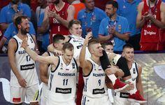 Pela primeira vez em sua história, a Eslovênia é campeã do Eurobasket. A equipe da sensação do basquete europeu, o adolescente Luka Doncic, 18, bateu a Sérvia por 93 a 85 neste domingo (17) em Istambul, na Turquia.