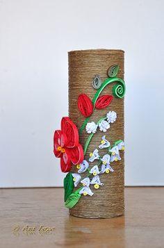 Printre hobby-uri: quilling, kusudama, origami, bijuterii handmade...: quilling Fondant Flower Tutorial, Quilling Tutorial, Hobbies And Crafts, Diy And Crafts, Paper Crafts, Quilling Craft, Paper Quilling, Yarn Bottles, Toilet Roll Art