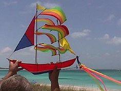 Cacciatori di acquiloni: nell'arcipelago corallino di Turks & Caicos c'è la 21a Competizione Annuale di Aquiloni. Per bambini e adulti di tutte le età.