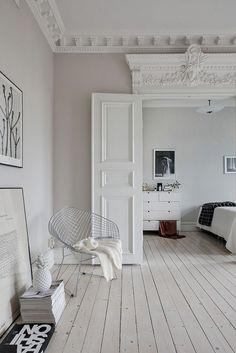 68 Dreamy Scandinavian Door Inspiration https://carrebianhome.com/68-dreamy-scandinavian-door-inspiration/