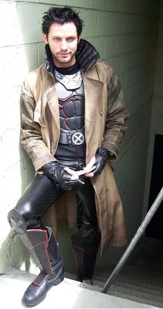 This is what Gambit will look like in X-Men  Days of future past (X4) mr. Gordon Smith Is new to the acting world, he's never been in any movies (until now) or tv shows but is a huge gambit fan, he even designed the outfit for the movie himself, I looked it up it's legit, don't argue with the awesomeness.