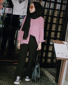 New style hijab casual kemeja Ideas Hijab Casual, Ootd Hijab, Hijab Chic, Casual Outfits, Cullotes Outfit Casual, Muslim Fashion, Modest Fashion, Trendy Fashion, Korean Fashion