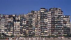 Kowloon - China - La ciudad de la oscuridad - El gobierno empezó a evacuar la ciudad en 1991, y duró un año   #China #Kowloon #ciudades #horrores