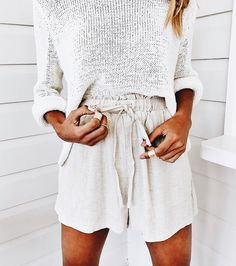 c2d4935d44 Linen shorts and a light weight sweater. Spring Summer Fashion, Spring  Outfits, Boho