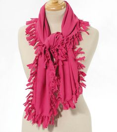 Fun fringe no-sew scarf!  #creativitymadesimple