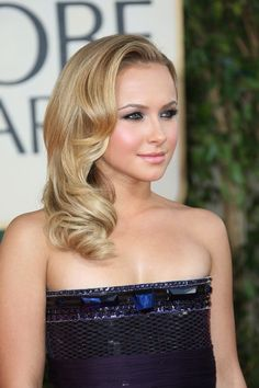 Hayden Panettiere Medium Wavy Cut - Hayden Panettiere Shoulder Length Hairstyles - StyleBistro