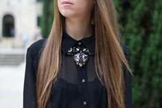 Jenny is wearing a Swarovski By Shourouk Black Necklace. Photo courtesy of http://margoandme.com/