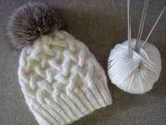 Free+Knitting+Pattern+-+Hats:+Winter+cable+knit+hat