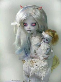 Woman & Child - Dark & Surreal Cute - Comunidade - Google+