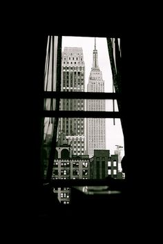 love photography Black and White hipster vintage indie b 038 w new york blackandwhite Empire State B Empire State Building, Empire State Of Mind, Sella Ronda, Voyager C'est Vivre, Voyage Usa, A New York Minute, To Infinity And Beyond, Concrete Jungle, City Living