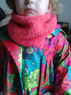 Tricot pour débutante: THE SNOOD ENFANT... - Le blog de Mademoiselle Petit Pois Mademoiselle, Alexander Mcqueen Scarf, Knitting, Blog, Fashion, Snap Peas, Sewing Projects, Wool, Moda