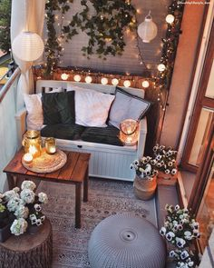 Relax corner on the balcony - Do not neglect the outdoor spaces . - Relax corner on the balcony – Do not neglect the outdoor spaces …- Angolo relax sul balcone – - Small Balcony Design, Small Balcony Decor, Outdoor Balcony, Small Patio, Patio Table, Backyard Patio, Balcony Garden, Patio Roof, Modern Balcony