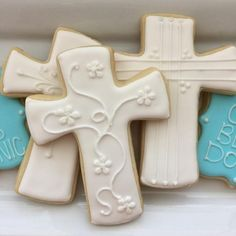 Baptism Cookies Communion Cookies First Communion Cross Cross Cookies, Angel Cookies, Candy Bar Cookies, Iced Sugar Cookies, Fancy Cookies, Easter Cookies, Christmas Cookies, Boys First Communion Cakes, First Communion Decorations