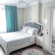 The elegant and heartwarming house of Nida, whose simplicity is at the forefront. - Decor Home Bedroom Bed Design, Modern Bedroom Decor, Baby Room Design, Gray Bedroom, Bedroom Vintage, Interior Design Living Room, Bedroom Furniture, Decoration, Home Decor