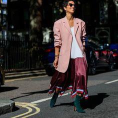It girls - Midi - Midi - Inverno - Street Style Leandra Medine, Alexa Chung, Fashion Show, Fashion Outfits, Fashion Trends, Style Fashion, Cool Street Fashion, Casual Street Style, Model Agency