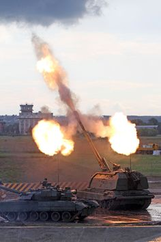 Tracked Armoured Fighting Vehicles - firing Msta-S via Flickr