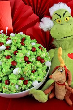 Grinch Popcorn - Sweet and salty and delicious. it will be popular with kids and adults alike at your How the Grinch Stole Christmas movie night. Christmas Treats To Make, Christmas Popcorn, Best Christmas Recipes, Christmas Snacks, Christmas Appetizers, Christmas Goodies, Christmas Baking, Holiday Baking, Christmas Ideas