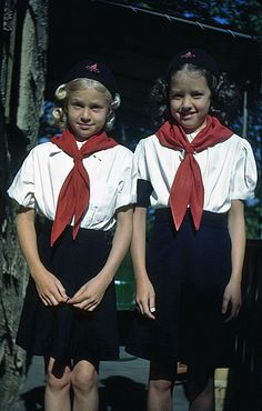 camp fire girls....lol....yep, I had the same uniform.....loved my beenie and scarf, and the little blue thing that slide up the scarf to hold it in place.