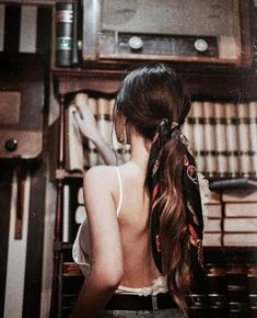 Stirnband Frisuren - Frisuren Blond Headband hairstyles Headband hairstyles- Cute ponytail with head Cute Headband Hairstyles, Scarf Hairstyles, Summer Hairstyles, Bandana Hairstyles For Long Hair, Bandana In Hair, Romantic Hairstyles, Cute Headbands, Style Hairstyle, Hair Bow