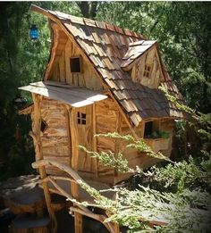 The in Chile Cabaña Altazor Treehouse Woodland House, Forest House, Backyard Buildings, Small Buildings, Rustic Saunas, Crooked House, Fairy Garden Houses, Backyard Playground, Witch House