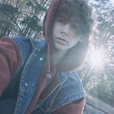 Camera image from boringalien Aesthetic People, Aesthetic Boy, Cute Emo, Cute Guys, Model Tips, Color Fantasia, Trans Boys, Emo Guys, Attractive People