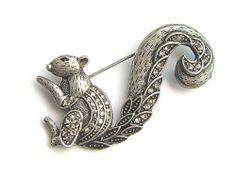 Vintage Antique Design Silver Tone Clear Crystal Rhinestone Squirrel Pin Brooch Alilang. $8.99
