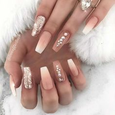 Cute French ombre nails with glitter set! Cute French ombre nails with glitter set! Frensh Nails, Coffin Nails Ombre, Gold Acrylic Nails, Summer Acrylic Nails, Nude Nails, Coffin Acrylics, Acrylic Nail Designs Coffin, Acrylic Nails Designs Short, Nails With Gold