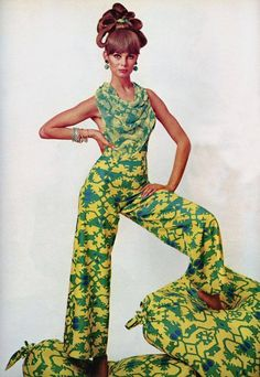 Jean Shrimpton Photographed by David Bailey 1965 vintage style fashion color photo print ad model magazine jumpsuit green floral pants 60s And 70s Fashion, 60 Fashion, Fashion History, Retro Fashion, Fashion Models, Vintage Fashion, Womens Fashion, Fashion Design, Gothic Fashion