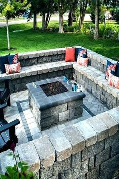 Cheap Fire Pit, Cool Fire Pits, Diy Fire Pit, Fire Pit Backyard, Backyard Patio, Backyard Landscaping, Landscaping Ideas, Patio Wall, Backyard Fireplace