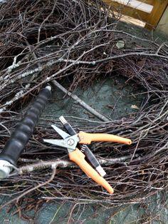 Stort hjerte av hengebjørk – fleurs Garden Tools, Wreaths, Design, Advent, Christmas, Handmade, Flowers, Crowns, Heart