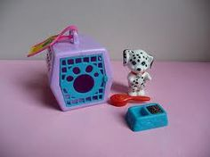 Littlest Pet Shop, old school style. I still insist that toys were just better in the 80's and 90's.