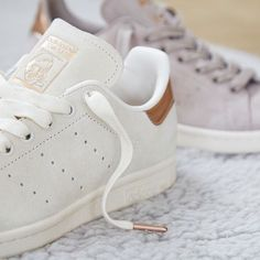 promo code 4e864 9b3d1 Rose gold detailing  Shop our  exclusive  adidasoriginals Stan Smith Chalk  White Copper   Vapour Grey Copper straight from our bio.  newin  adidas    ...