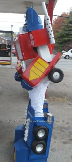 Awesome G1 Optimus Prime Costume from Recycled Materials ...