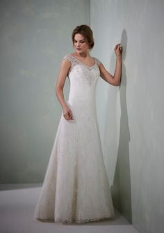 "***DRESS OF THE WEEK*** This gorgeous dress ""Marion"" by Romantica of Devon is now in store. Take a look at the dress in our window or book an appointment to come and try it on. Give us a call on 01438 748088"