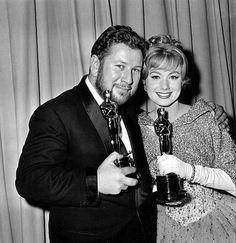 Peter Ustinov y Shirley Jones