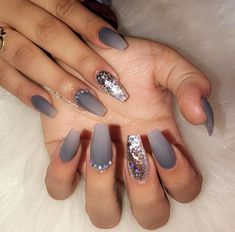 Sparkle and Shine Into 2019 With These 48 Gorgeous Nail Ideas 48 Gorgeous Nail Choices For Whether you enjoy a natural manicure, gel nails, or acrylic nails, or even just painting your own nails, these nail designs would be a perfect fit for anyone. Matte Nails, Acrylic Nails, My Nails, Acrylics, Acrylic Nail Designs, Nail Art Designs, Natural Manicure, Nagel Gel, Creative Nails